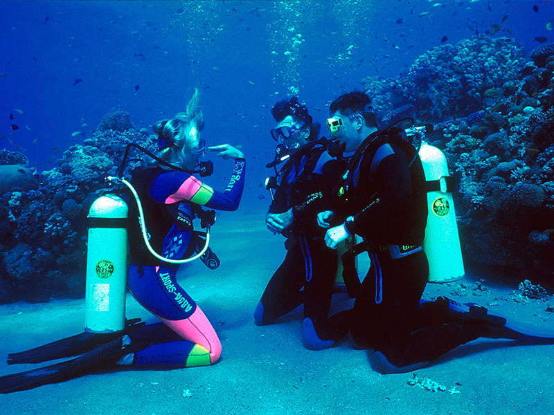 A Beginner_s Guide to Getting Into Scuba Diving